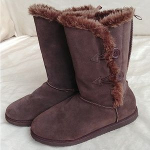 Old Navy faux fur lined ankle boots